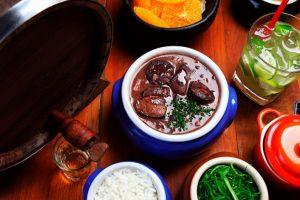 Жестокая ностальгия! Рецепты изпервых бразильских сериалов: мокека, фейжоада иконфетки «бригадейрос»