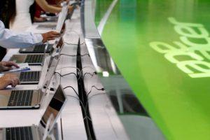 Acer встает за прилавок
